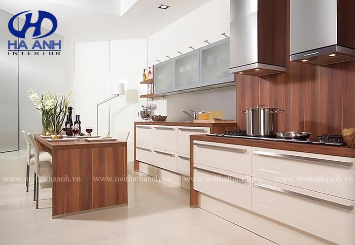 Sự khác nhau giữa tủ bếp MFC và tủ bếp tự nhiên